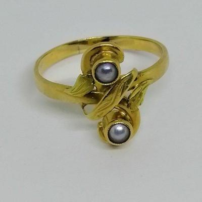 Eight-shaped Two-tone Gold Ring.
