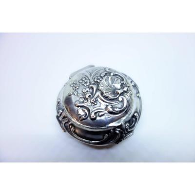 Box, Pillbox, Sterling Silver With A Particular Shape And Decor.