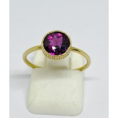 Ring In Yellow Gold And Almandine Garnet.