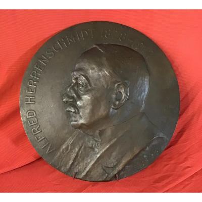 Sculpture En Bronze Signée «À. Schultz 1919»