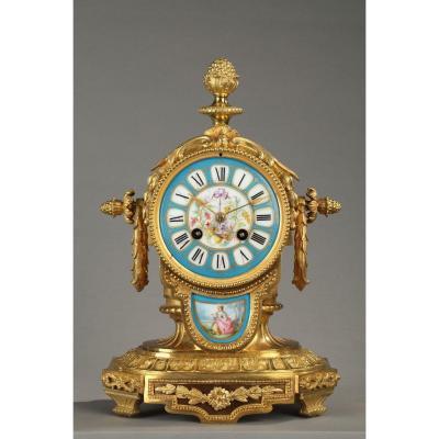 Borne Pendulum In Painted Porcelain And Gilt Bronze