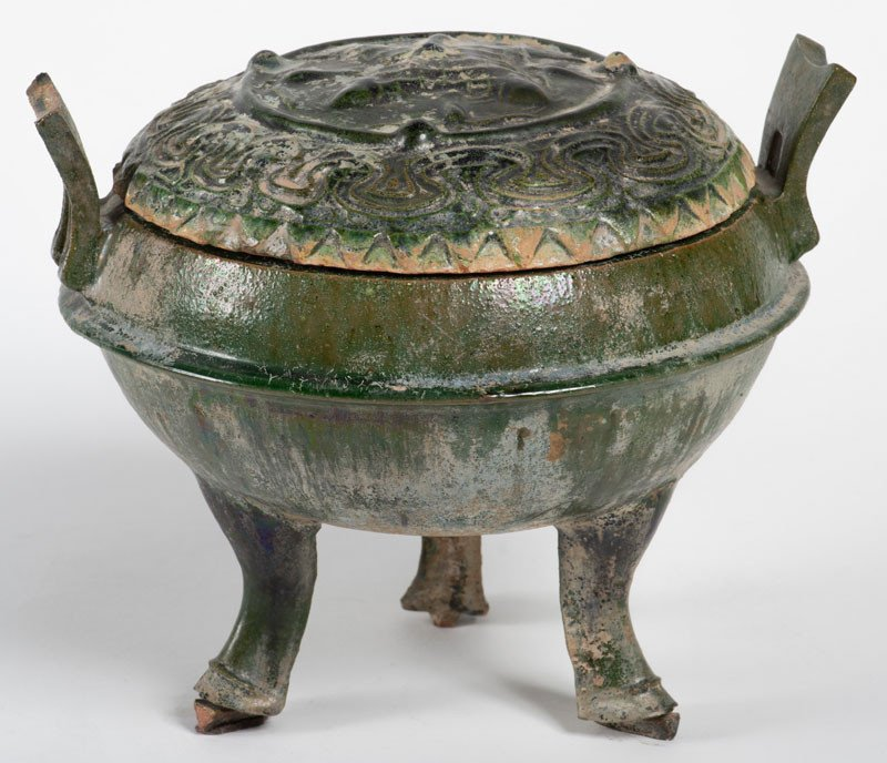 China Han Style - Green Tripod Ding Covered Pot With Fish Decoration