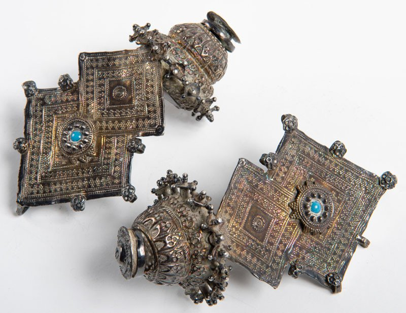 Morocco 19th Century - Berber Art - Pair Of Imazighen Earrings In Silver And Turquoise