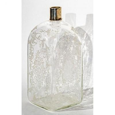 Bottle Or Flask In Engraved Crystal And Silver 19th Century