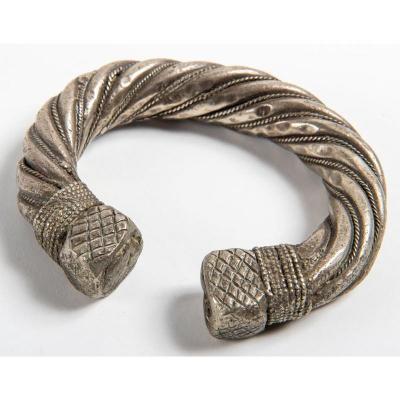 Imposant Bracelet d'Esclave En Argent Bas Titre – Afrique / Art Africain