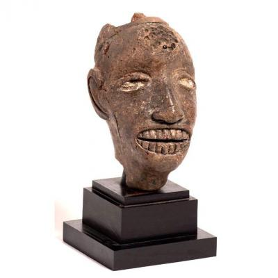 Culture Idoma - Tête Africaine En Terre Cuite Polychrome - Nigéria C.1950