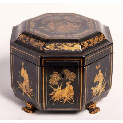 Imposant coffret à thé octogonal décoré – Chine ou Japon, fin du 19ème siècle