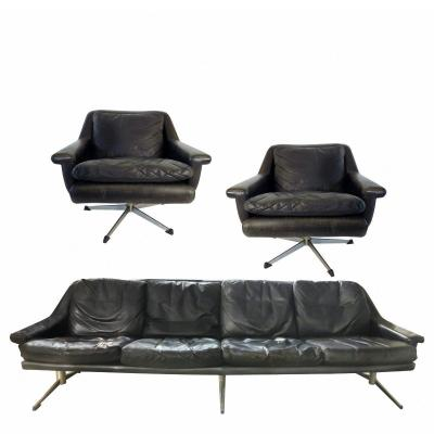 A Leather Living Room By Werner Langenfeld