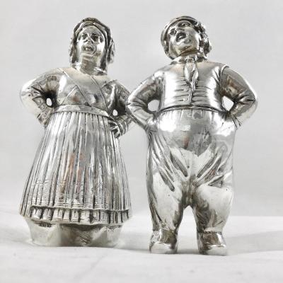 Salt And Pepper Shaker In Sterling Silver, In Couple Of Dutch Farmers, Late Nineteenth