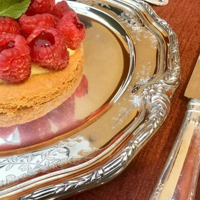 6 Assiettes à Dessert , Modèle De François-Thomas Germain Pour Le Roi Du Portugal, Argent