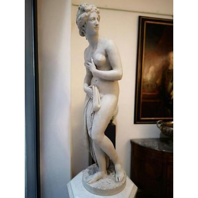 Sculpture En Marbre Blanc Représentant Vénus