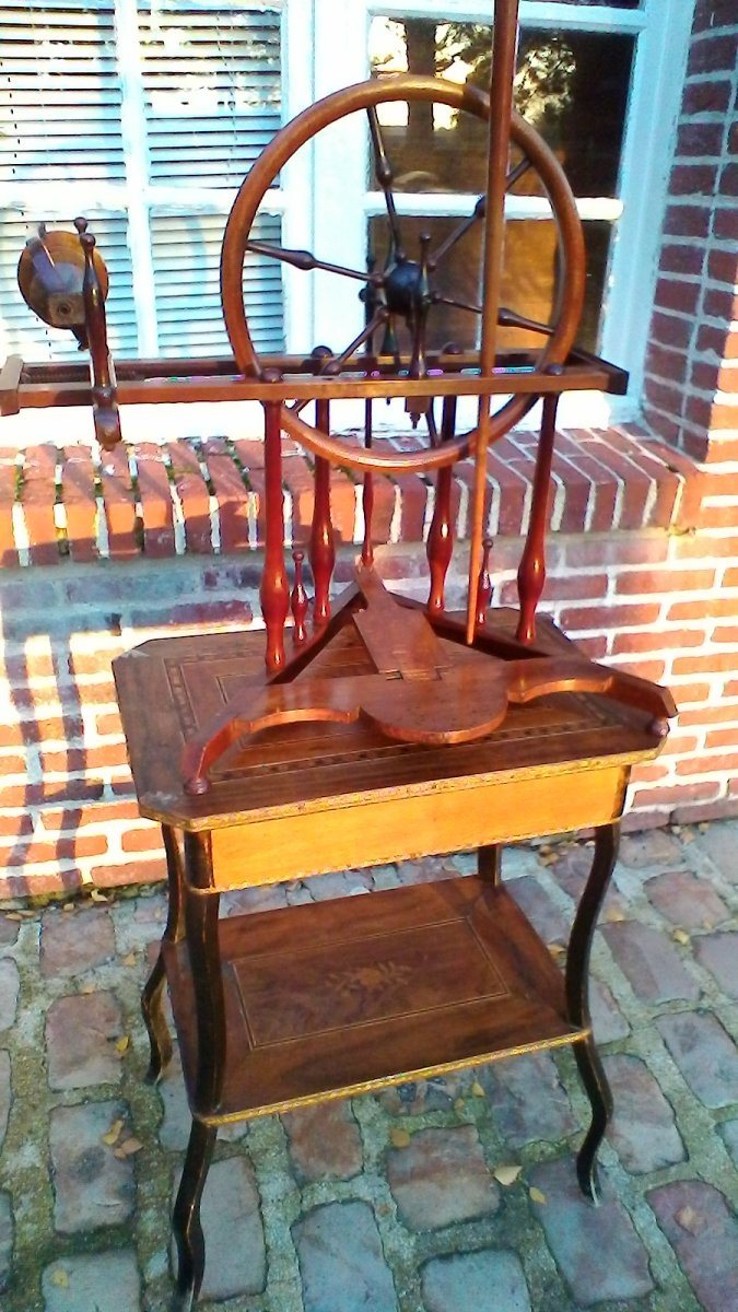 Mahogany Spinning Wheel