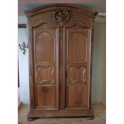 Wardrobe Lyonnaise Walnut.