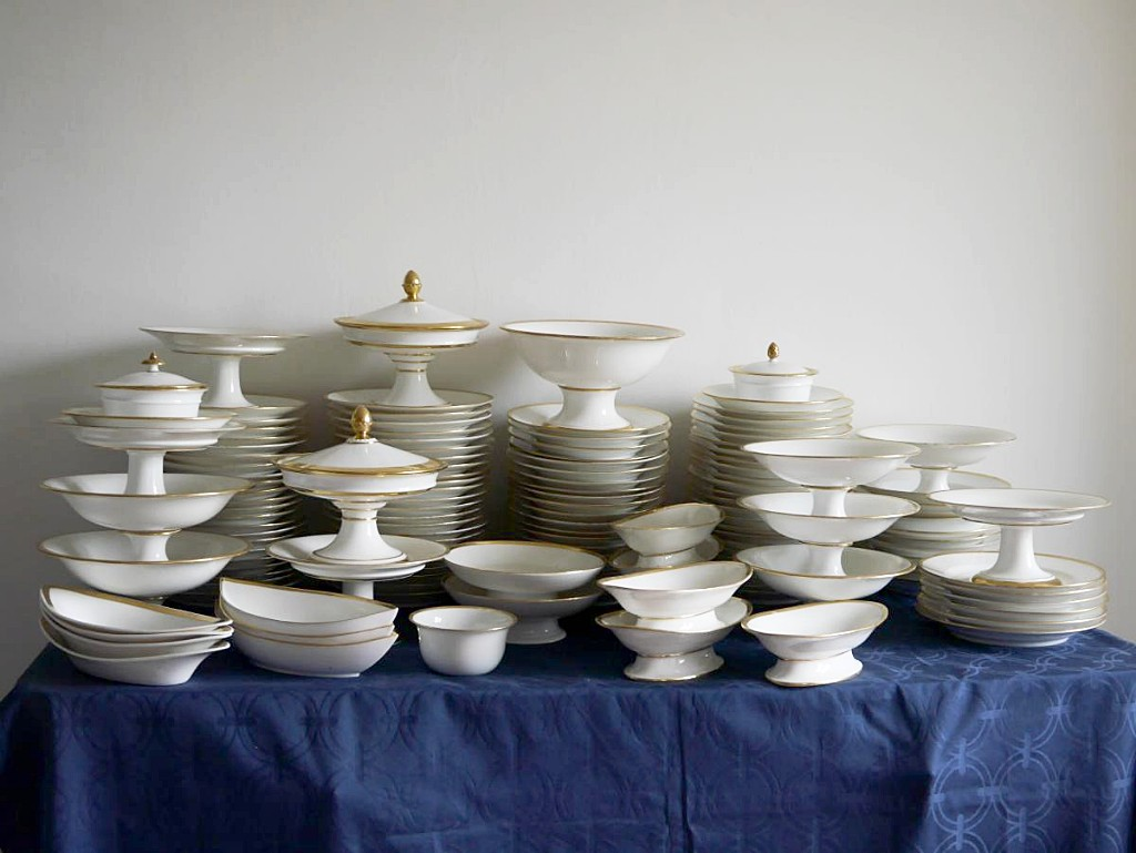 Important Porcelain Service Part Of Restoration Period, Honoré And Dagoty