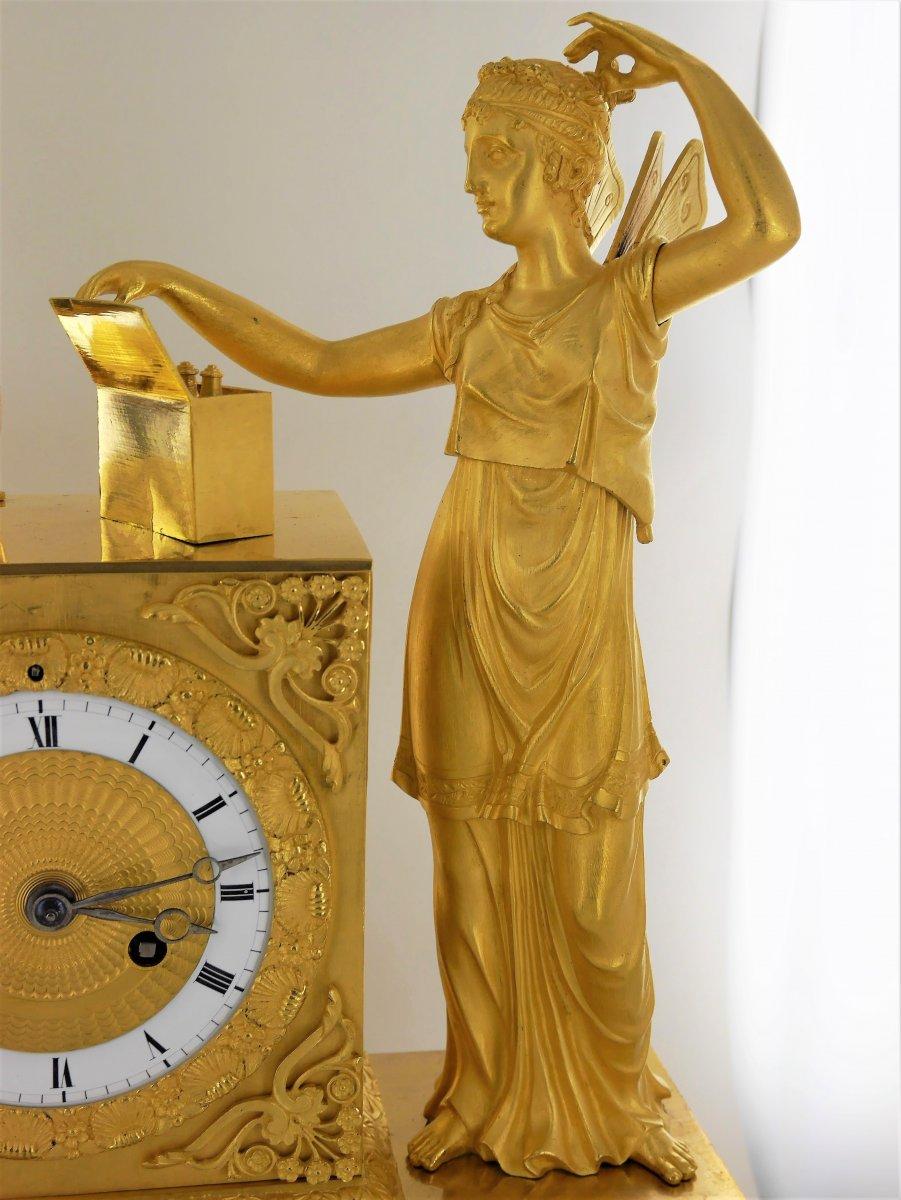 Pendule En Bronze Doré, Début XIXe Siècle