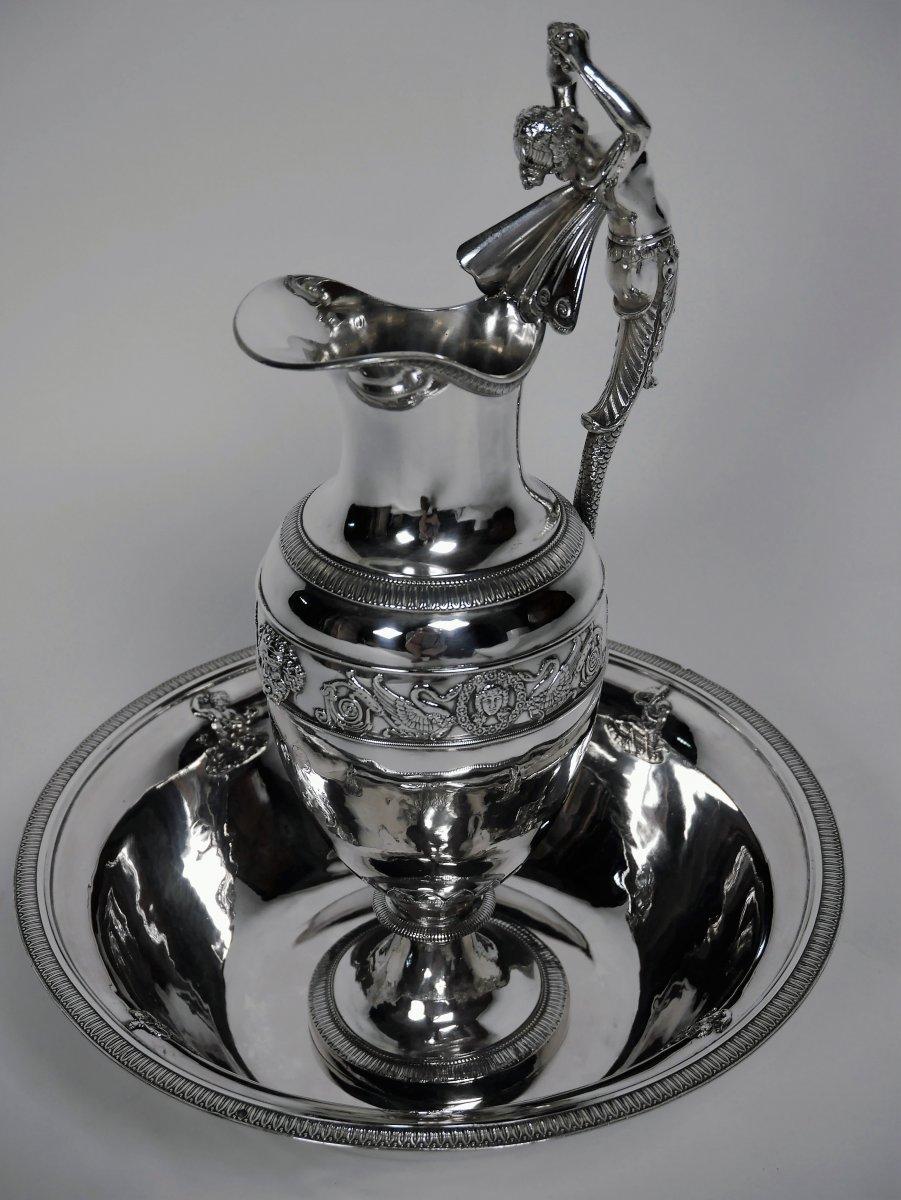 Aiguière Et Son Bassin En Argent De Style Empire, Début XIXe