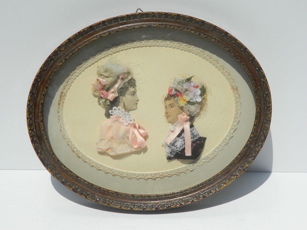 Petit Cadre Oval Avec Gravures de mode Habillées