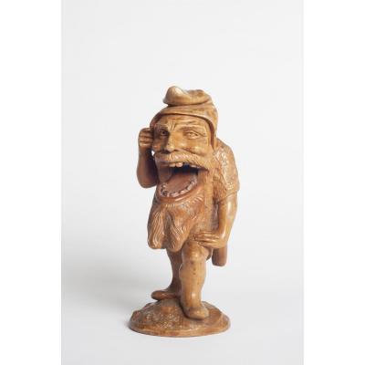 Ancien Casse Noix Suisse En Form De Gnome Ou Nain