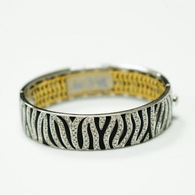 Bracelet 18ct. Or Blanc  &  Émail Noir Serti De  Diamants
