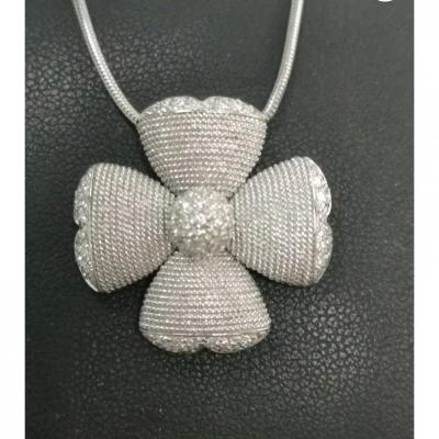 Pendentif Fleur 18ct.  Or Blanc & Diamants