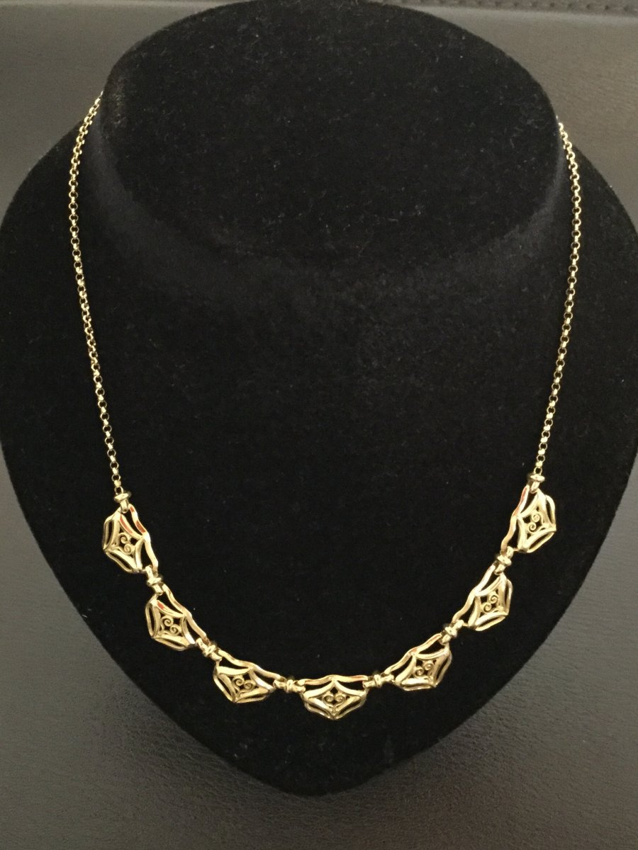 Drapery Necklace In Yellow Gold