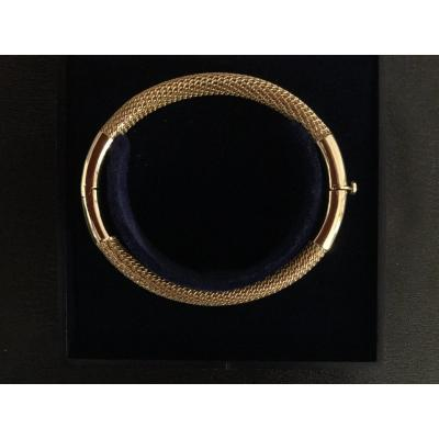 18ct Yellow Gold Oval Bangle Bracelet