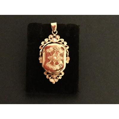 Napoleon Lll Pendant Rose Gold And Fine Pearls