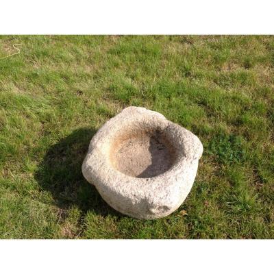 Benitier en granit ancien