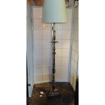 Porte Bougie En Pied équipé en lampadaire