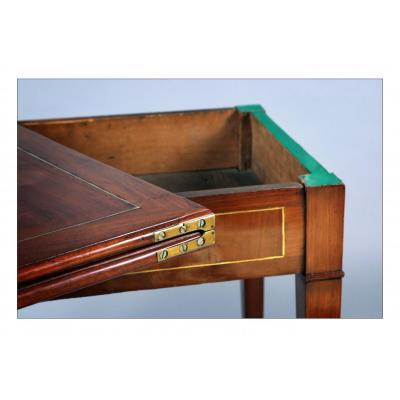 Table à jeux à plateau en portefeuille, époque XVIIIe siècle