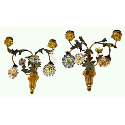Haute Fin Deux Bras Pair Of Wall Lights France Transition Flowers In Meissen Porcelain Around 1765