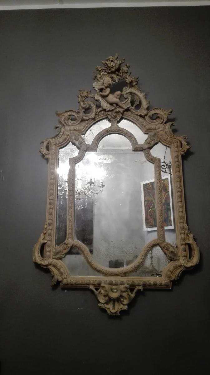 Medaillon Mirror With 19th Beads