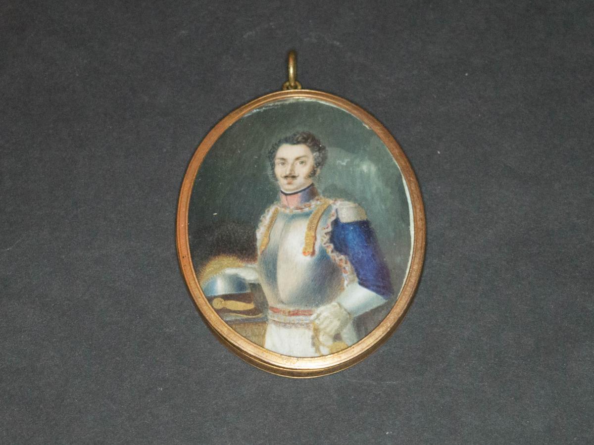 """""""officier De Cuirassiers Du Régiment De Condé."""" Miniature Ovale."""