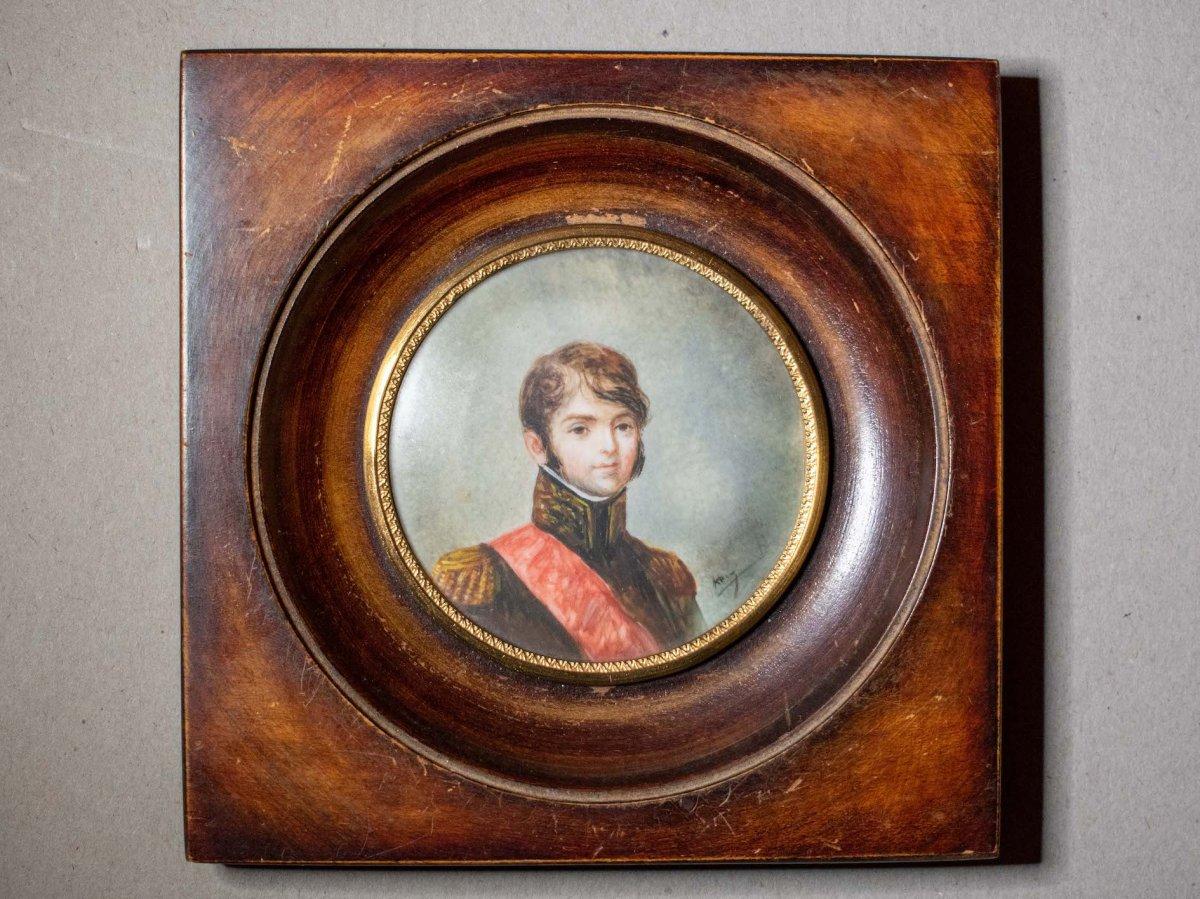 """""""Le Maréchal Lannes"""". Miniature ronde."""