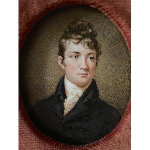 Miniature Vers 1810. Portrait De Jeune Homme.