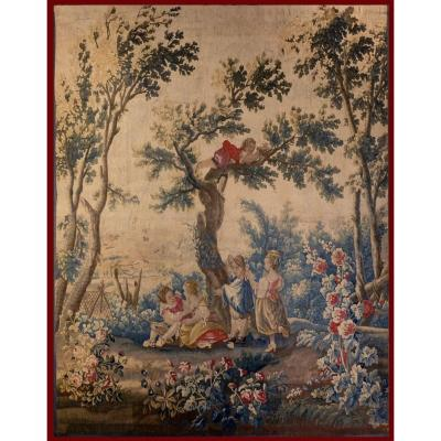 Beautiful fine tapestry from the Ateliers d&#39;Aubusson of the 18th century. The theme: the Birdcatchers Tapestry of frame certainly installed in woodwork.<br />