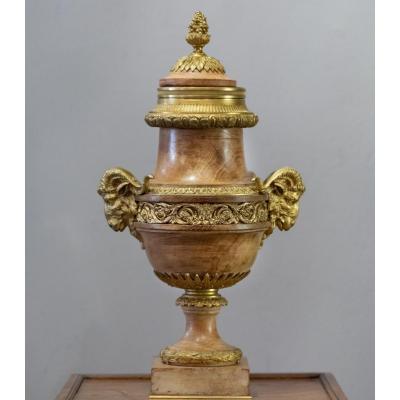 Vase Couvert En Bois Et Bronze