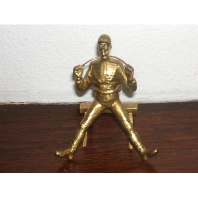 Jockey Sur Balustrade: Bronze Attitude Humoristique
