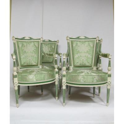 Suite De quatre fauteuils en bois laqué Epoque fin Louis XVI