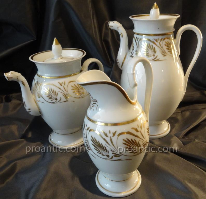 Service à Cafè Et Thè En Porcelaine De Paris De Style Empire