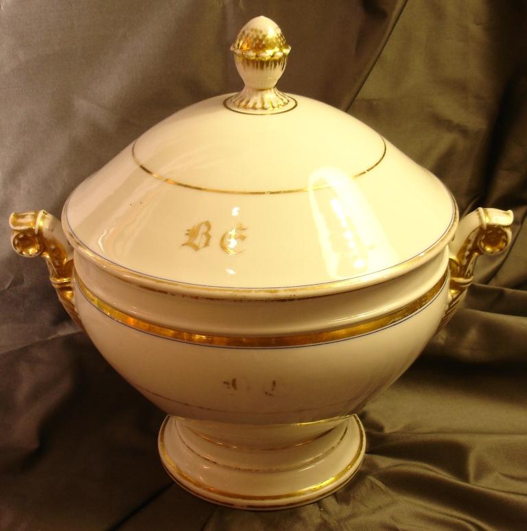 Round Porcelain Soup Tureen In Paris, XIX Siecle-photo-2
