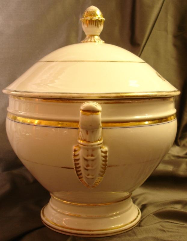 Round Porcelain Soup Tureen In Paris, XIX Siecle-photo-3