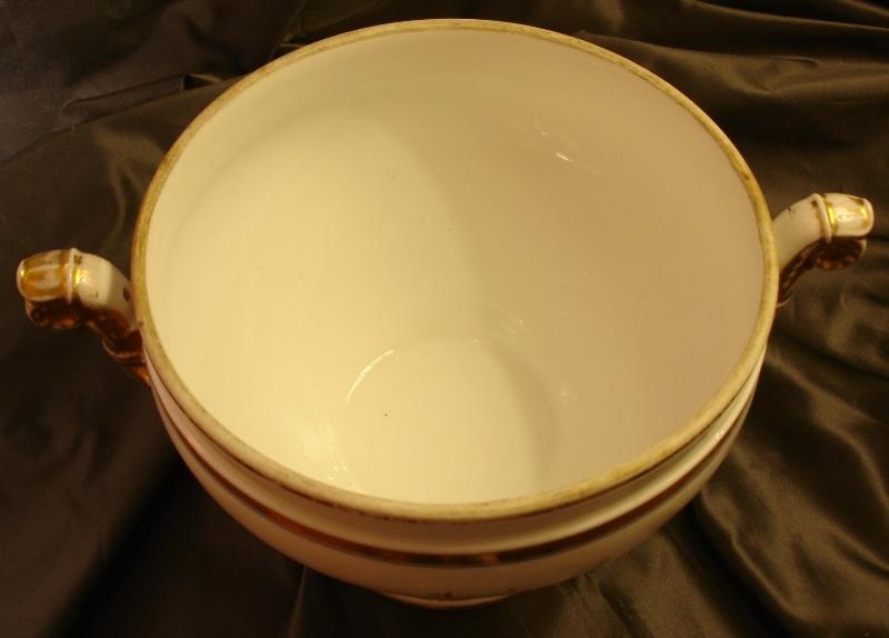 Round Porcelain Soup Tureen In Paris, XIX Siecle-photo-1