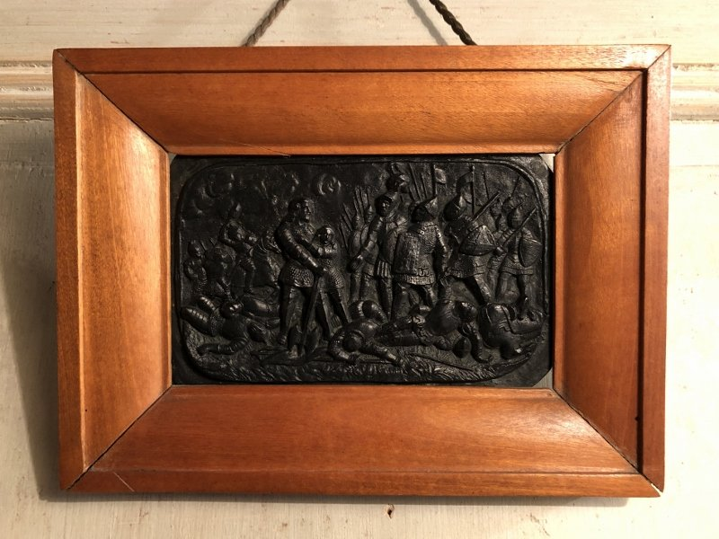 """Bronze  """"scene De Bataille Moyenâgeuse"""" En Bas Relief Patiné XIX° Siècle"""