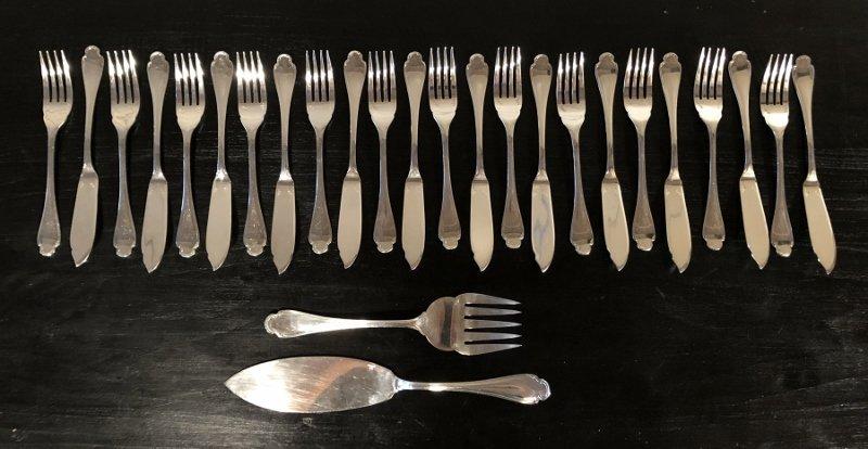 Service Of 12 Fish Cutlery In Silver Metal Alfenide