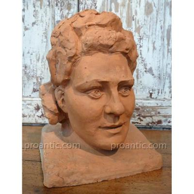 "Bust Terracotta ""vevette"" Around 1940"