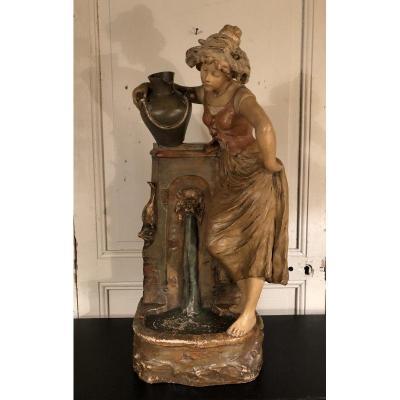 Jeune Femme à La Fontaine En Plâtre Polychrome Vers 1900