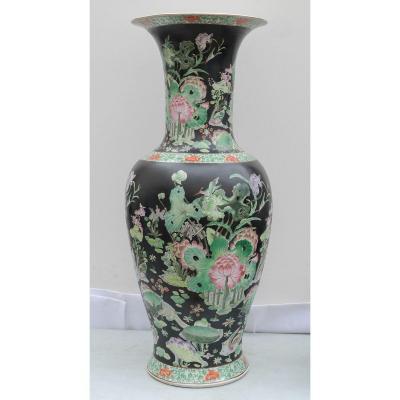 Grand Vase Chinois Sur Pied En Bois