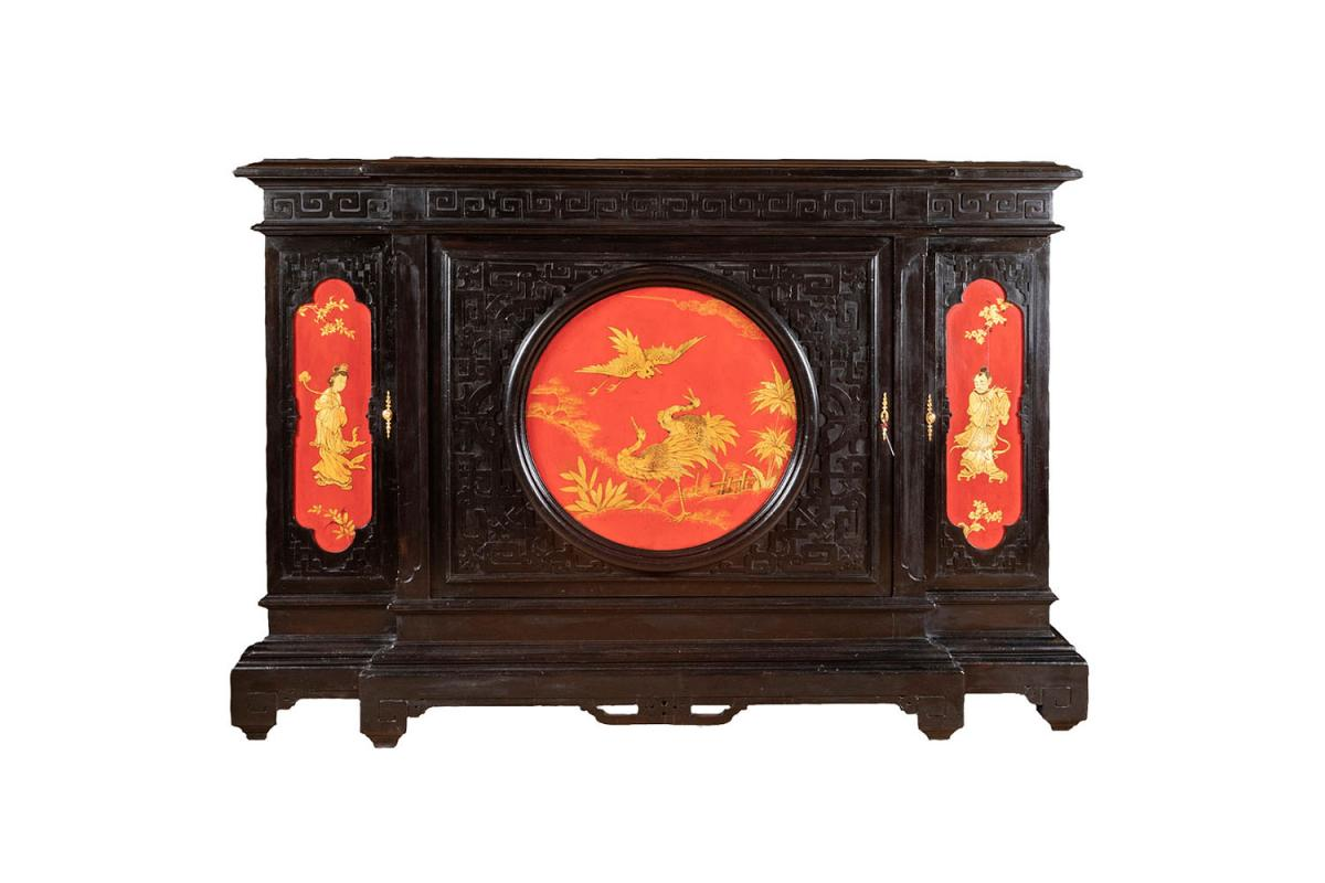 Large Chinese Style Cabinet In Black, Red And Gold Lacquered Wood, Circa 1880 - Ls37661501
