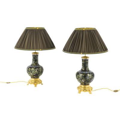 Paire de lampes en émail cloisonné noir et bronze doré, vers 1880